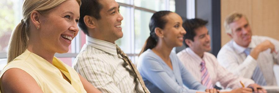 Employés en salle de classe. Apprentissage des langues officielles.www.graybridgemalkam.com