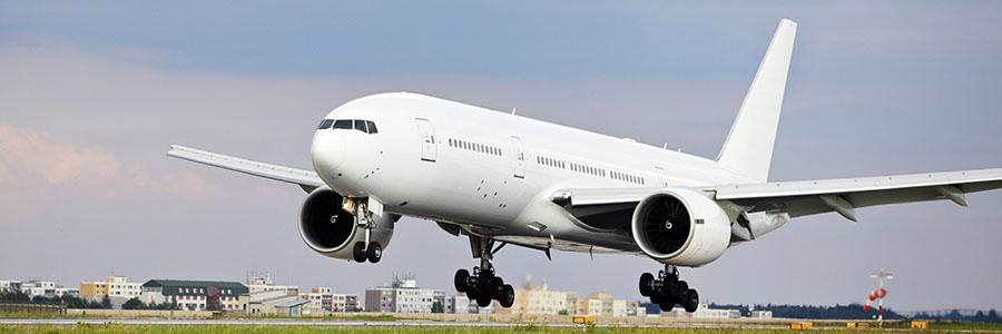 Atterrissage d'un avion de ligne.Retour d'une affectation internationale.www.graybridgemalkam.com